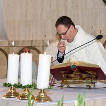04820180525-ks. Jacek wraz z kolegami dziękuje za Dar Kapłaństwa