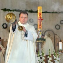 02820180525-ks. Jacek wraz z kolegami dziękuje za Dar Kapłaństwa